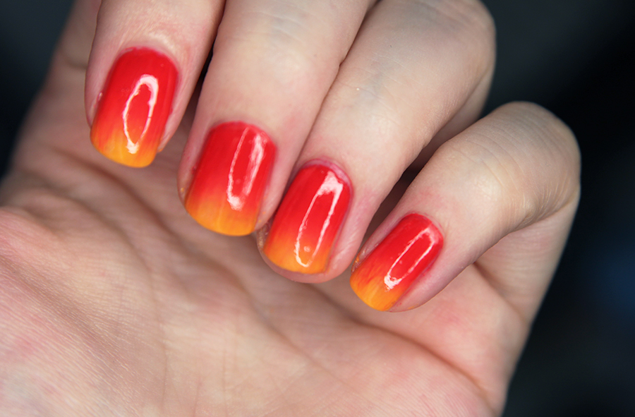 flame-gradient-nails